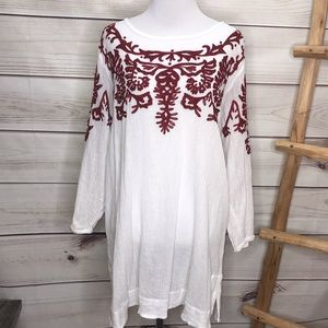 Soft Surroundings White & Red Embroidered Tunic M